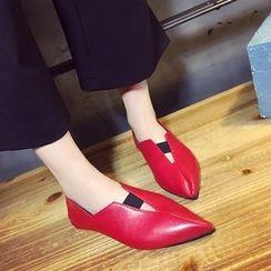 QQ Trend - 仿皮尖头平底鞋