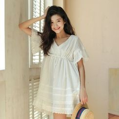 Porta - Lace Trim Short-Sleeve Babydoll A-Line Dress