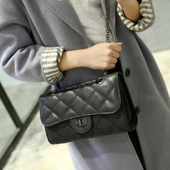 Lamia - Suede Quilted Chain Cross Bag