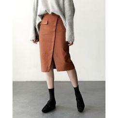 UPTOWNHOLIC - Slit-Front Flap-Detail Midi Skirt