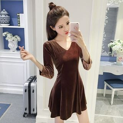 Jolly Club - 3/4-Sleeve V-Neck Plain Dress