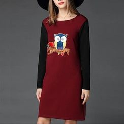 Mythmax - Long-Sleeve Contrast-Color Applique Dress