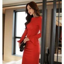 Yilda - 鐘形袖修身連衣裙