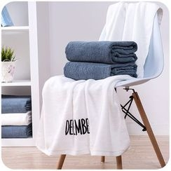 Momoi - Lettering Bath Towel