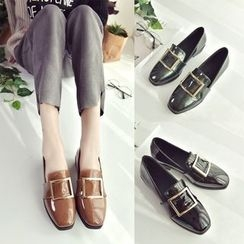 QQ Trend - Buckled Loafers