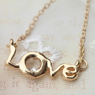Fit-to-Kill - Diamond on LOVE letter Necklace