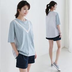 CLICK - Pinstripe Back T-Shirt