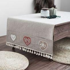 Caldo - Embroidered Table Runner