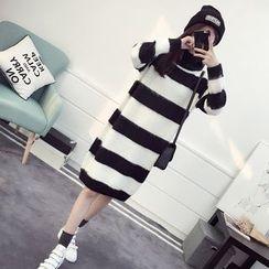 efolin - Striped Turtleneck Knit Dress