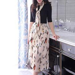 Romantica - Set: Elbow-Sleeve Top + Printed Pleated Midi Skirt