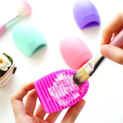 Class 302 - Makeup Brush Cleaner