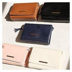 Sechuna - Faux-Leather Tasseled Shoulder Bag