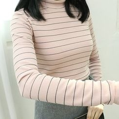 Dodostyle - Stripe Mock-Neck T-Shirt