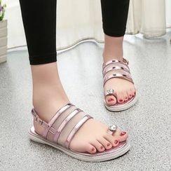ZIMA - Rhinestone Toe Loop Sandals