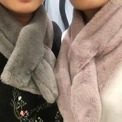 Chililala - 毛毛领孔围巾