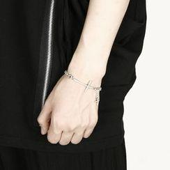 Rememberclick - Cross Chain Bracelet