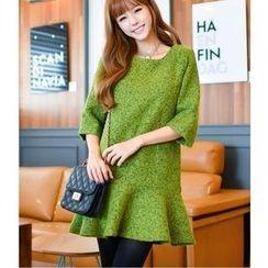 Dowisi - 3/4-Sleeve Ruffle Hem Shift Dress