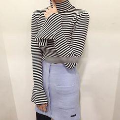 MATO - Frilled Trim Long-Sleeve Striped T-Shirt
