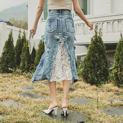 UUZONE - Lace-Panel Distressed Denim Skirt