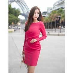 GUMZZI - Round-Neck Shirred Dress