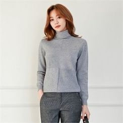 Styleberry - Turtle-Neck Wool Blend Sweater