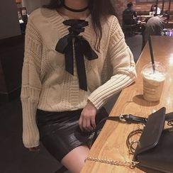 QZ Lady - Bow Neck Sweater