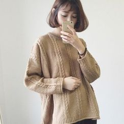 Fancy Show - Cable-Knit Oversized Sweater
