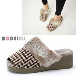 MODELSIS - Faux Fur-Trim Houndstooth Slippers