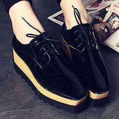 Siya - 繫帶厚底漆皮鞋
