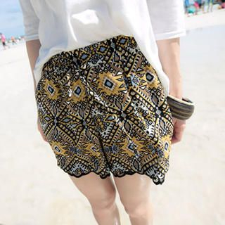 Tokyo Fashion - Lace-Trim Patterned Shorts