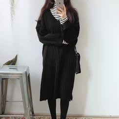 Dute - Long-Sleeve V-Neck Knit Dress