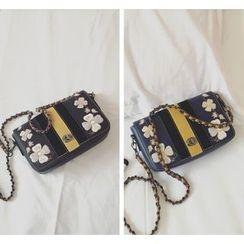 Youshine - Flower Embroidered Chain Strap Shoulder Bag