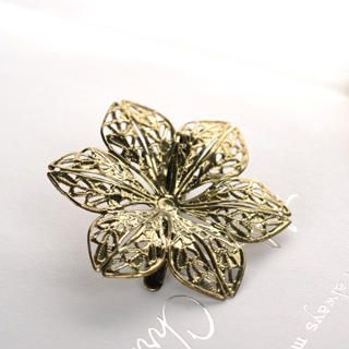 Fit-to-Kill - Flowers Hairpin