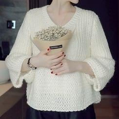 Mida - Bell-Sleeve Chunky Sweater