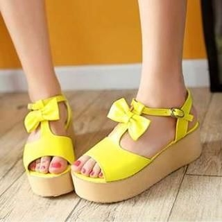 Pangmama - Bow-Accent Wedge Sandals