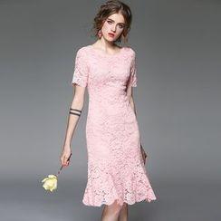 Queen Mulock - Short-Sleeve Lace Ruffled Dress