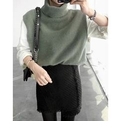 UPTOWNHOLIC - Turtle-Neck Angora Wool Blend Vest
