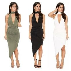 Hotprint - Cutout Sleeveless Dress