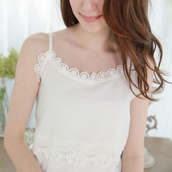 Tokyo Fashion - Lace-Trim Cropped Camisole Top