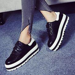 Mancienne - Platform Velcro Sneakers