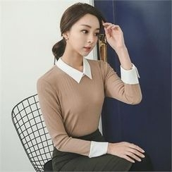 ode' - Contrast-Collar Knit Top