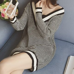 Cloud Nine - Long-Sleeve V-Neck Knit Dress