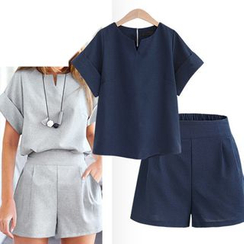 VIZZI - Set: Short-Sleeve Notch-Neck Top + Shorts