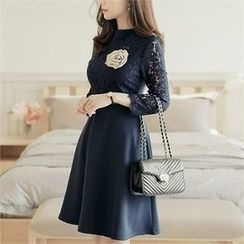 CHICLINE - Lace-Panel A-Line Zip-Back Dress