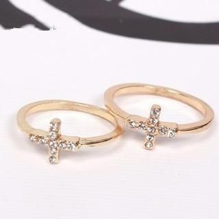 TAIPEI STAR - Rhinestone Cross Ring