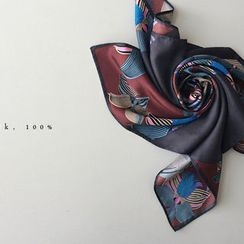 DAILY LOOK - Pattern Scarf