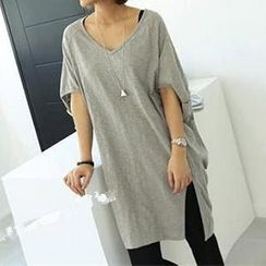 Dream Girl - Short-Sleeve V-Neck Tunic