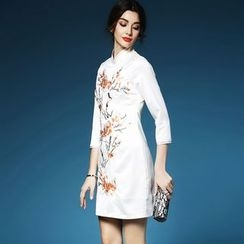 Elabo - Floral Embroidered Cheongsam