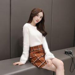 Romantica - Set: Knit Top + Plaid Skirt