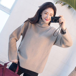 chuu - Turtle-Neck Wool Blend Knit Top